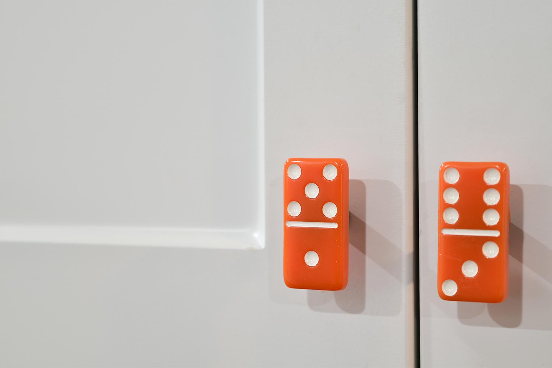Cabinet-Pulls-Dominos